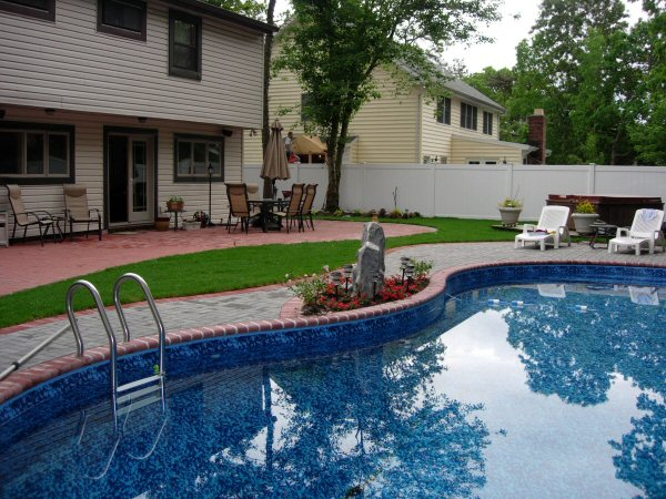 Here you go home landscaping designs long island weather for Pool deck decor ideas